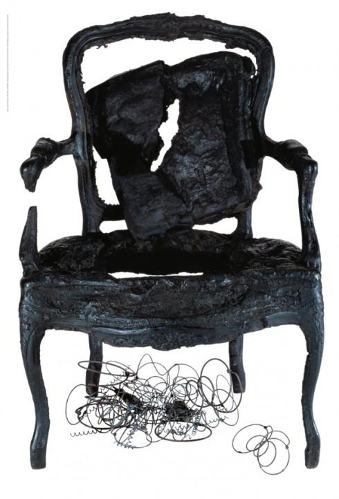 Le fauteuil d'Ulysse, siège carbonisé et figé par Arman
